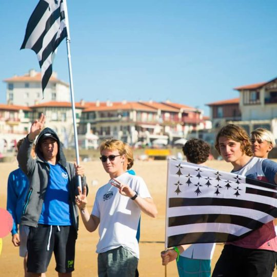 https://www.ligue-bretagne-surf.bzh/wp-content/uploads/2018/01/FB_IMG_1509284696663-540x540.jpg