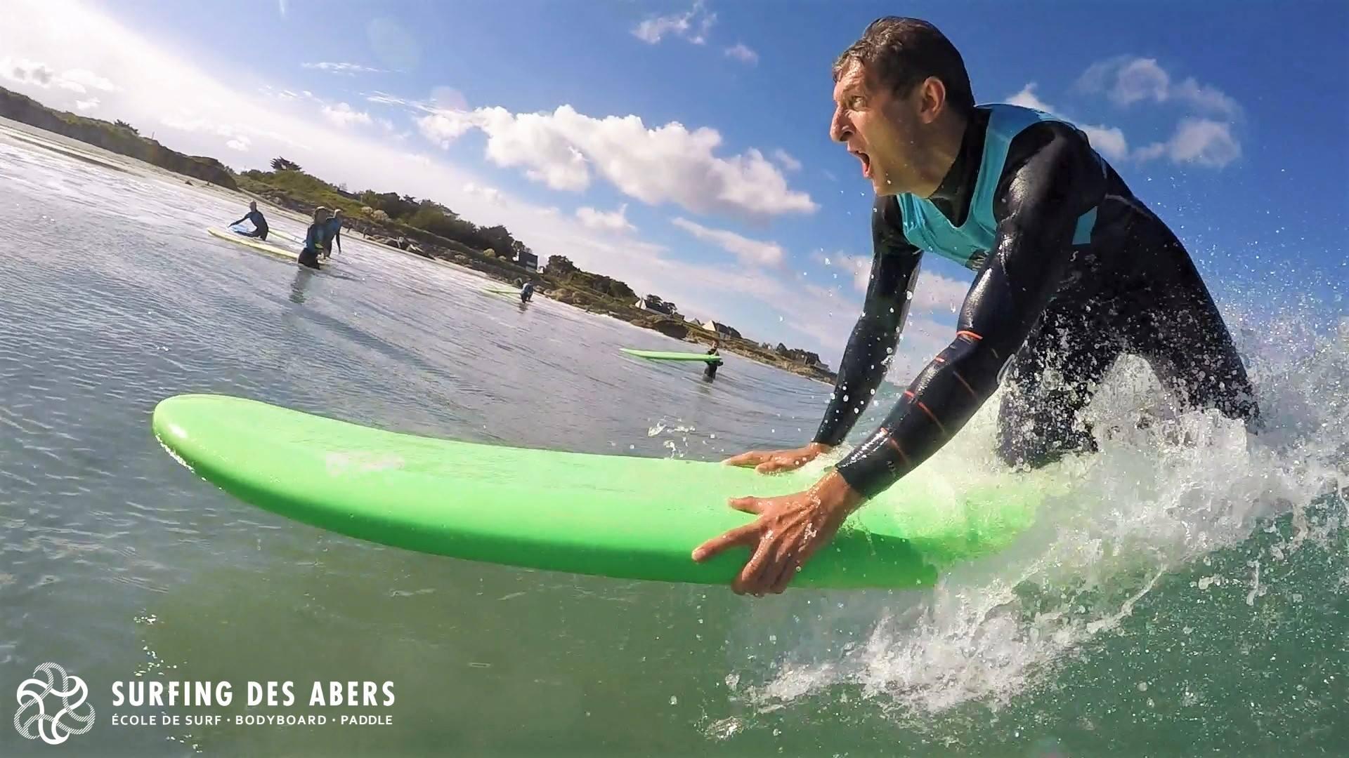 https://www.ligue-bretagne-surf.bzh/wp-content/uploads/2018/01/Surf-Close-Stoked.jpg