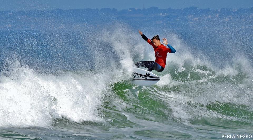 Photo-Hugo-Tosetti-vainqueur-Longboard-2eme-Surf-Open.jpg