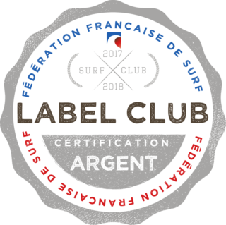 https://www.ligue-bretagne-surf.bzh/wp-content/uploads/2019/03/Club-Argent-320x319.png