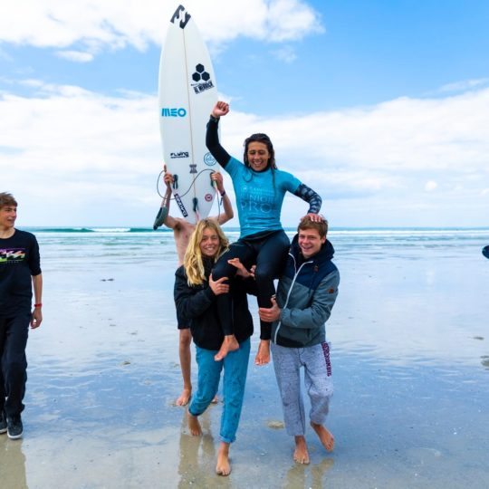 https://www.ligue-bretagne-surf.bzh/wp-content/uploads/2019/05/Junior-Pro-La-Torche-2019-17-540x540.jpg
