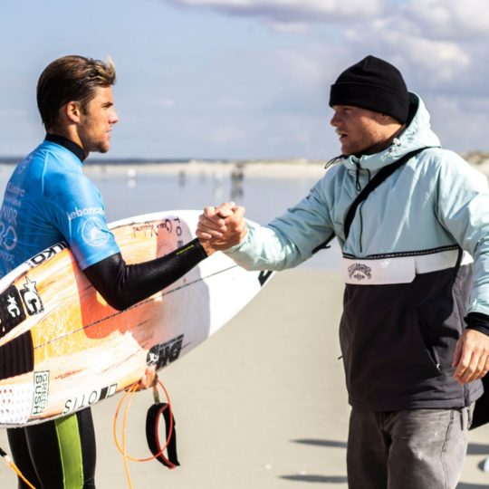https://www.ligue-bretagne-surf.bzh/wp-content/uploads/2019/05/Junior-Pro-La-Torche-2019-3-540x540.jpg