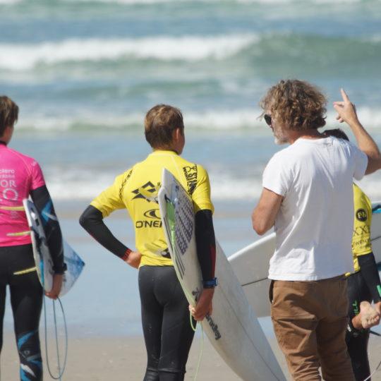 https://www.ligue-bretagne-surf.bzh/wp-content/uploads/2020/07/Stage-National-FFS-BZH-10.11.12-07-43-540x540.jpg