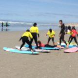 apprendre à surfer à la Pointe de La Torche